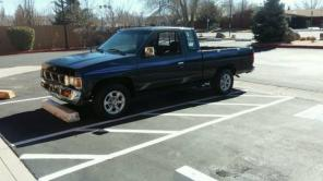 1997 NISSAN PICK UP TRUCK extended cab